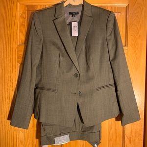 New w/ tags! Ann Taylor Wmn's Brown Suit sz 12P